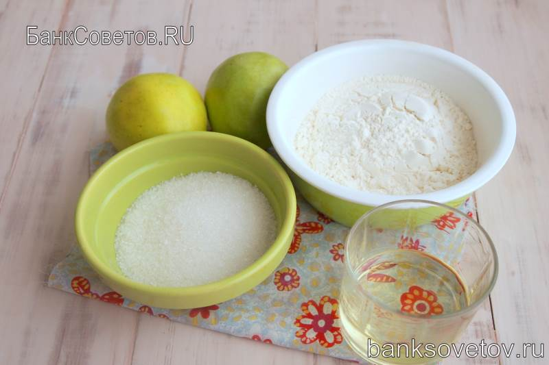 ингредиенты для постных маффинов с яблоками